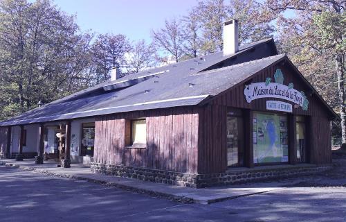 maison-du-lac-sillé-le-guillaume-72-LOI