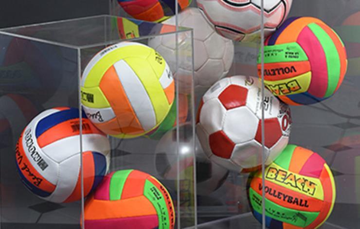 Gérard DESCHAMPS  Boîtes à ballons (série de trois boîtes)