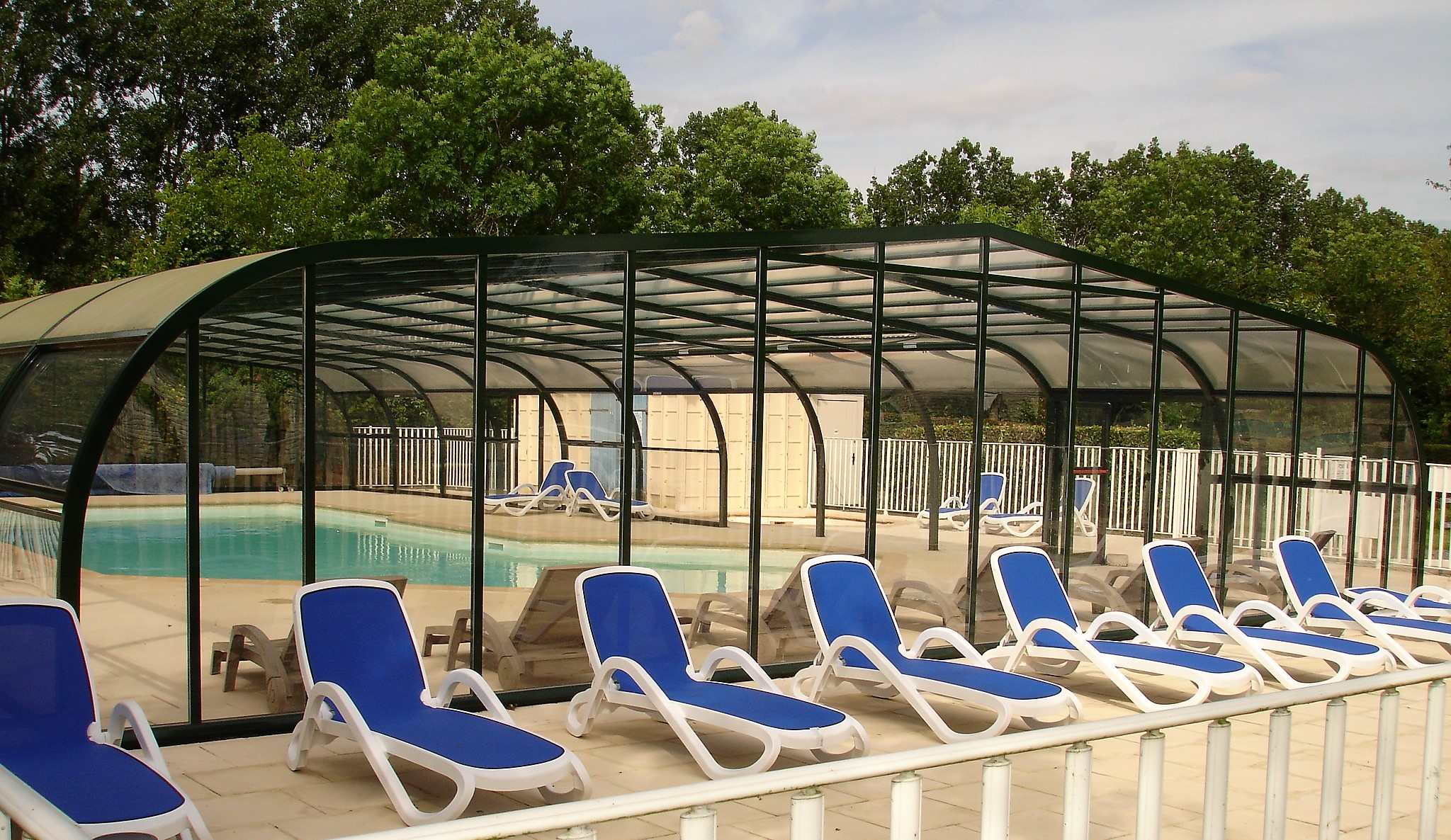 Camping le septentrion brulon camp de tourisme for Piscine couverte