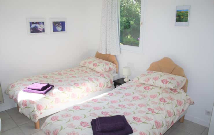 Wisteria-Twin-Bed-1