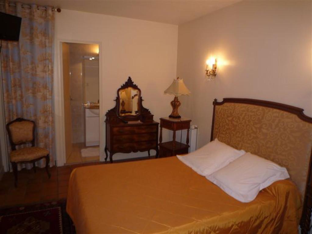 chambres d 39 hotes le petit pont monce en belin chambres d 39 h tes tourisme en sarthe. Black Bedroom Furniture Sets. Home Design Ideas