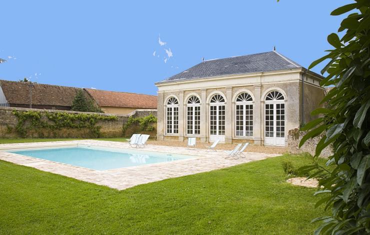 piscine + salle de jeu