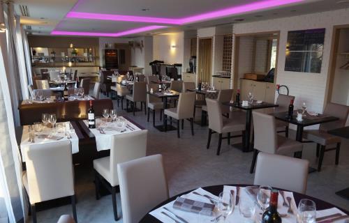 restaurant-kyriad-lafertebernard-72-res-1