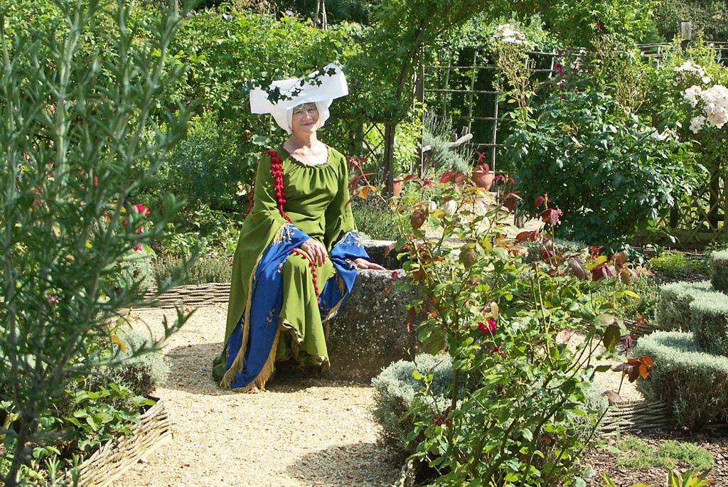 Manoir De Sourches Et Ses Jardins Precigne Site Et